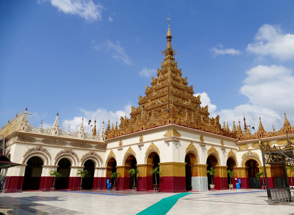 Myanmar, the Mahamuni Pagoda in Mandalay